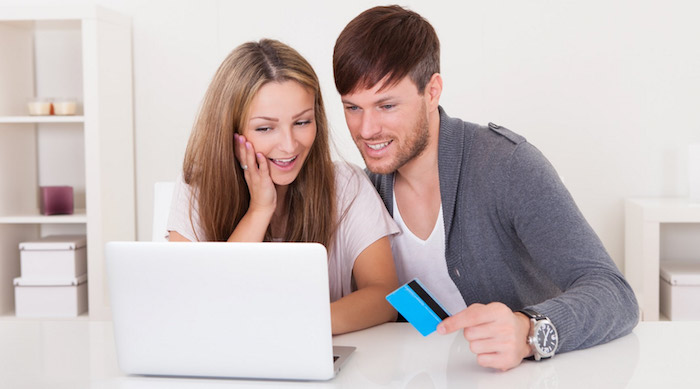 couple-shopping-using-online-catalogues